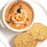 海老とキノコのビスククリームスープ