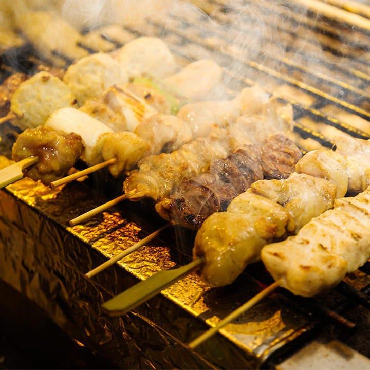 炭火でじっくり焼いた銘柄鶏の串焼き