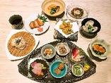 秋田県の旬の食材を使用するコースが大変好評。