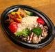 お弁当はトプカプの日替わりが両方楽しめる2色弁当が一番人気!