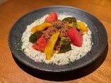 家庭料理も月替り!一例)牛挽き肉と焼き茄子のアリ・ナーズィク