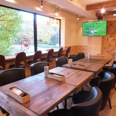 Running Station&Recovery cafe Grunmeal 駒沢公園 店内の画像