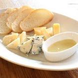 本日のチーズの盛り合わせ