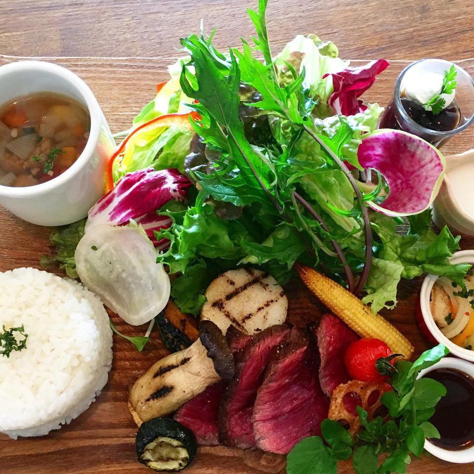 その日のお肉の部位を最高の火加減で調理一番美味しい状態で提供