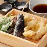 海鮮系の『天盛り 海』とお野菜系の『天盛り 山』 日本酒やお酒に合う天ぷらと一品料理を準備しております。