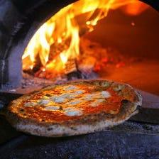 絶品!目の前で焼かれるピッツァ