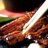 鰻の白焼き ( Eel salty flavor) 鰻蒲焼 ( Eel original source flavor)