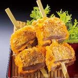 牛たんチーズ串揚(2本)