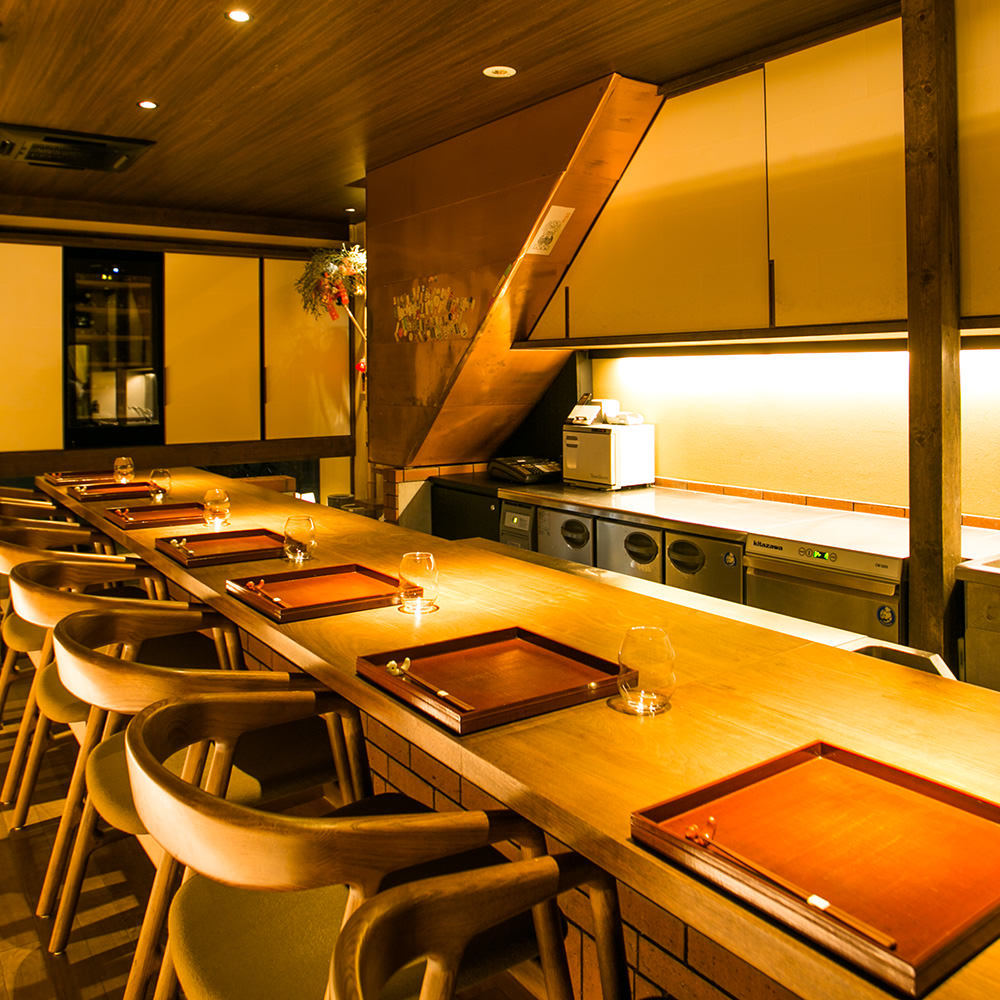 ワインと和食を楽しむ、贅沢な空間