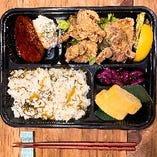 昭和食堂特製の唐揚げ弁当