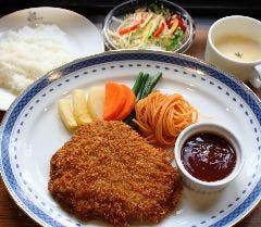 特上ビフカツ定食(スープ・サラダ・ライス付き)