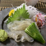 板長日替わりのおすすめは新鮮な海鮮メニュー! 【白魚お刺身】