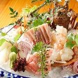 朝獲れ鮮魚を贅沢に盛り付け!!