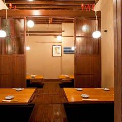 部屋の間仕切り扉は開放も可能です。