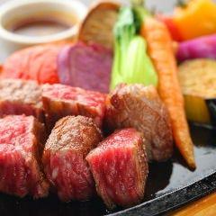牛角切り鉄板ステーキ 四国野菜添え