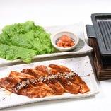 豚肉の鉄板焼き(サムギョプサル風)