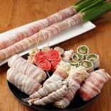新鮮野菜をお肉で巻いた、話題の「野菜巻き串」ございます♪