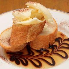 こんがりトーストのバニラアイスのせ