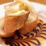 食後に人気の特製スイーツ★こんがりトーストのバニラアイスのせ
