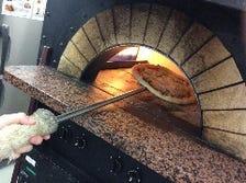 窯で焼くナポリピッツァが大人気!