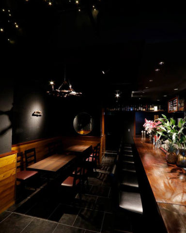 BAR Bress ~A~ 淡路町店 店内の画像