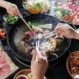 お肉も野菜も海鮮も!あらゆるメニューを食べ尽くす『90分制食べ放題 満足コース』/3,500円(税抜)