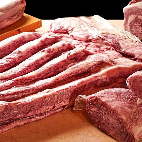 生肉仕入れ!旨味の濃さが違います!