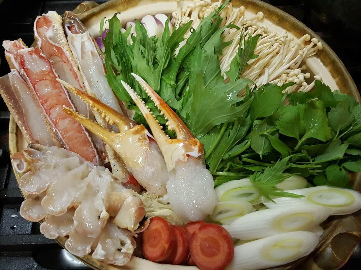 おまかせ旬のお鍋 季節のものを使ったお鍋をご用意いたします。