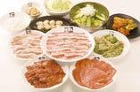 80品お気軽コース(2,980円)豚タン塩、牛バラトロカルビ、ピートロ、にんにくはらみ、チョレギサラダなど80品状が食べ放題  ※写真はイメージです。