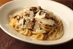 パルマ産プロシュートとフレッシュポルチーニのスパゲッティ