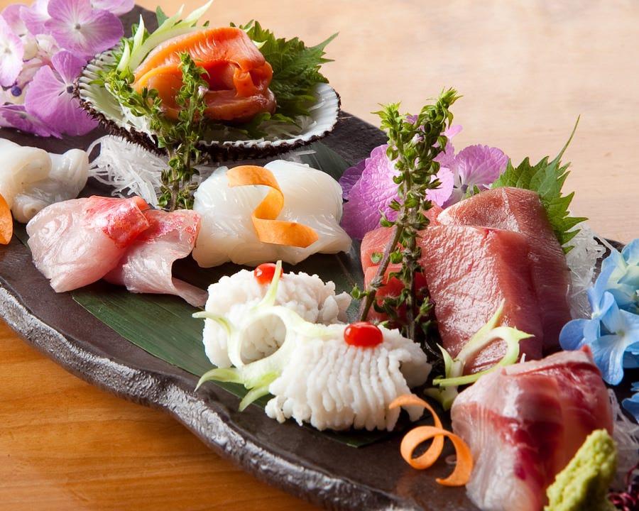 『日本酒には旬の刺身が欠かせない』