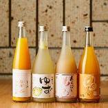 日本酒の酒蔵が日本酒と果実を使って作った『果実酒』は、ロックがおすすめです。