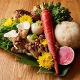 京のおばんざいをお出ししている当店は、色鮮やかな伝統の『京野菜』を多く仕入れています。