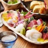 日本酒と刺身の相性は最高だと店主は考えています。