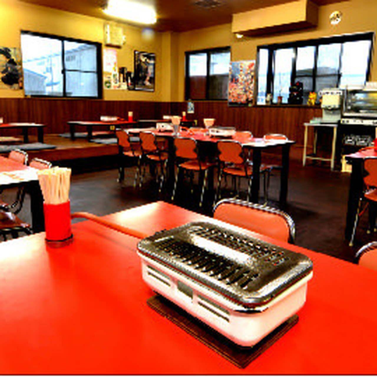 ロードサイドの昔懐かしい焼肉定食屋