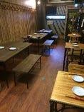 【テーブル】ゆっくりくつろいでお料理を楽しみくださ♪