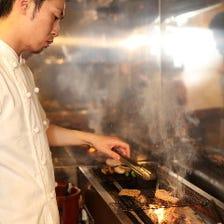 旨味溢れる炭火焼料理