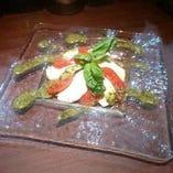 トマトとモッツァレラのサラダ~カプレーゼ風~