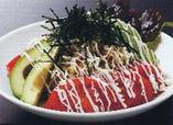 串焼きやだけど… 新鮮なサラダだってあり!