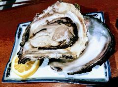 旬の贅沢お任せ会席料理(天然岩牡蠣、のど黒)と日本海朝どれ魚、郷土料理、山菜