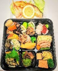 おうちで会席料理  日本料理のおいしいものをぎっしり詰め込みました。