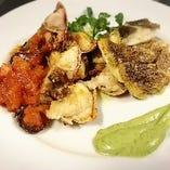 『本日のお魚料理』旬のお魚に合わせたソースは絶品です!
