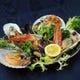 シーフードグリルの盛り合わせ(牡蠣、ムール貝、海老、ホタテ)