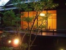 竹林を見渡せる個室。接待・記念日に