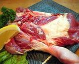 合鴨もも骨付き焼き 旨いっ!広島ではカープ鳥だけです。