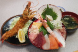 海鮮丼と有頭エビフライのセット