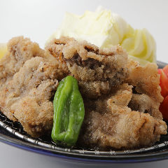 まぐろほほ肉ジューシーから揚げ Japanese Style Deep-fried Tuna Cheek