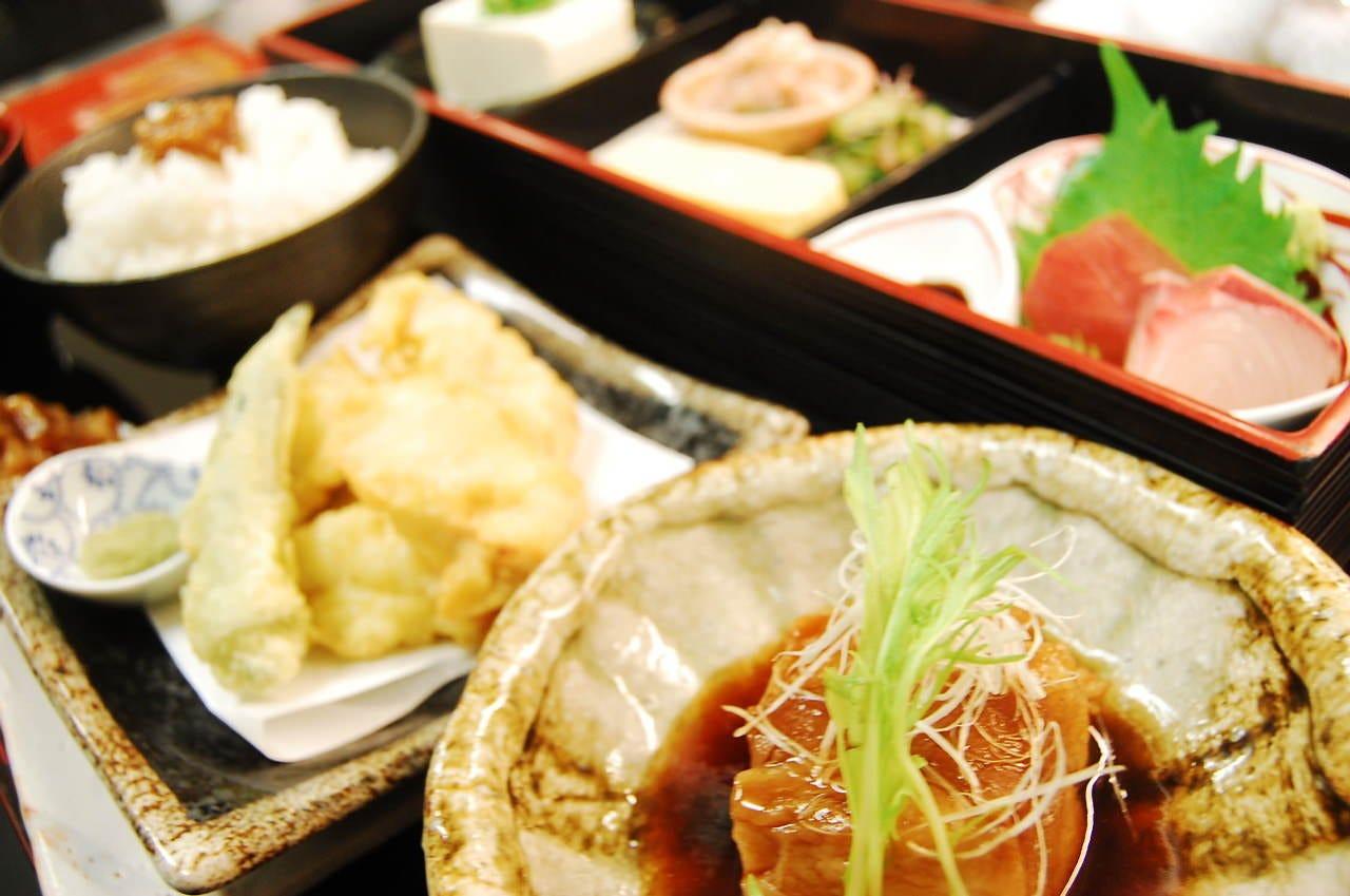 奈良の食材たっぷり! 【 やまと庵膳 】