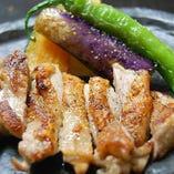 大和肉鶏の黒胡椒焼き
