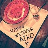 結婚お祝いやお誕生日などにサプライズ用デザートをお作りしております♪花火が付いているので、チョットした演出にいかがでしょうか?